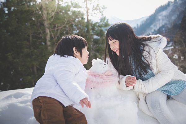 雪封东京在家做什么好?这些有创意的日本雪人超逗趣