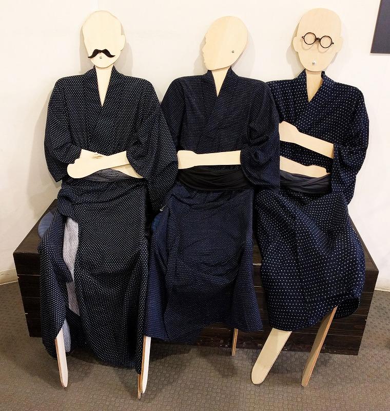 明治の俳人・正岡子規(中央)