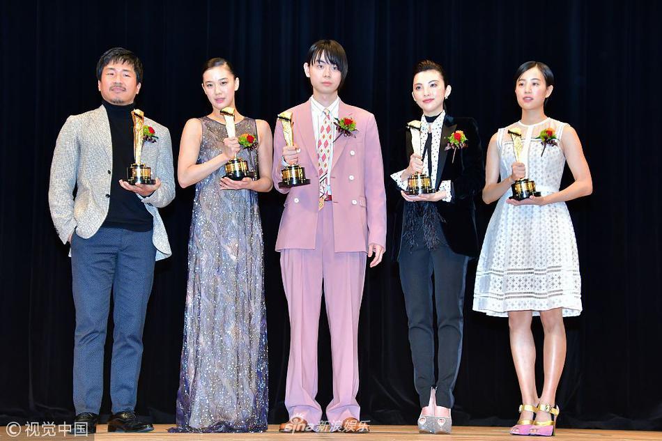 日本电影旬报颁奖 菅田将晖苍井优获最佳男女主角