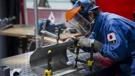 日本7成企业表示劳动力短缺未将成本压力转移到价格上