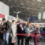 日本客机机场爆胎 究竟是怎么回事?目前仍在调查中