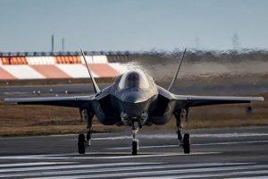 """日本拟引进F-35B隐形战机,""""出云""""号变航母或更进一步"""