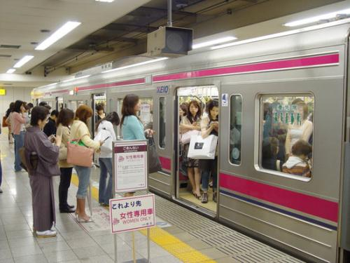 日本男性强乘女性专用车厢是不道德?男性:我又不是色狼