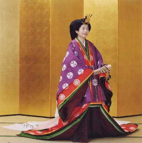 下嫁平民的日本公主过得如何?生活虽普通却稳定