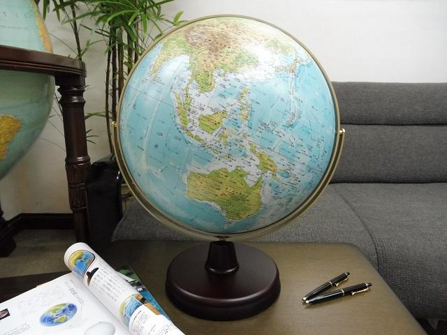 卓上地球儀 WP/木製台 - 地球儀専門店(GLOBE SHOP TOKYO)HPから引用
