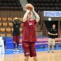 曝日本男篮欲归化新外援 身高2米11曾在NBA效力