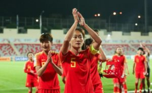 输给日本,女足姑娘的道歉令人心疼:对不起,让你们失望了
