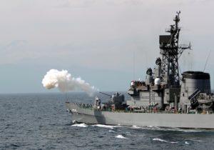 日本海上自卫队在训练中操作失误 发射鱼雷诱导装置