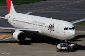 日本一架客机起飞后因引擎故障紧急返航