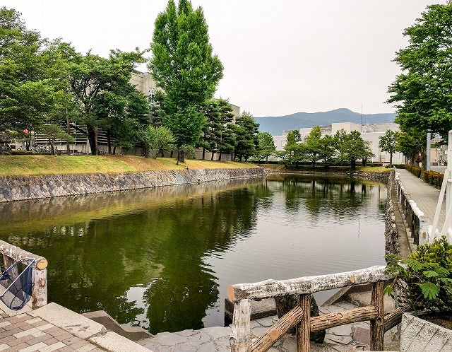 松本城大手側の堀