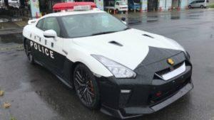 暴走族末日!日本警察用战神GT-R当警车