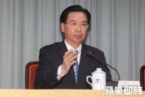 吴钊燮接受日媒专访谈台独遭中国抗议回骂:干预新闻自由
