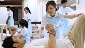 日本拟到2020年夏季接纳1万名越南护理实习生