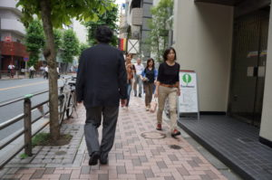 日本黑社会穷困潦倒做小偷