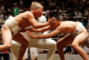 【世界一瞬间】日本小学生相扑赛