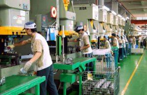 日本政府拟将接纳外国人才的领域扩大至制造业
