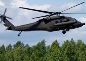 详讯:一架美军直升机窗体坠落 未造成人员伤亡