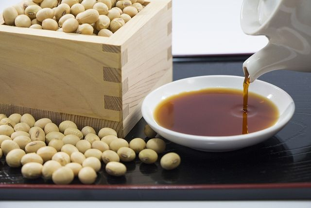 濃い口醤油、薄口醤油、溜まり醤油、再仕込み醤油、白醤油…様々な日本の醤油【連載:アキラの着目】