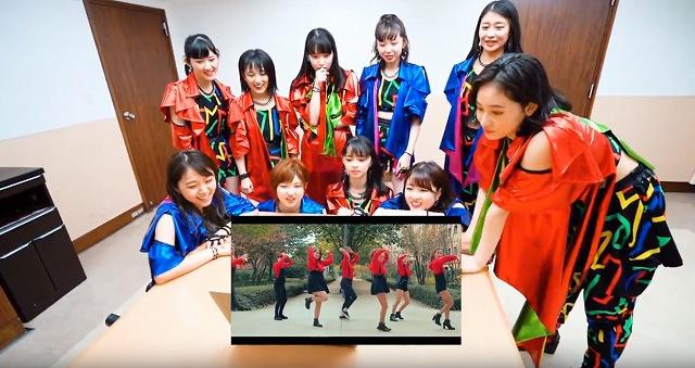 アイドルグループ・アンジュルム、アイドルおたくのフランス・ギャル達を観賞!【連載:アキラの着目】