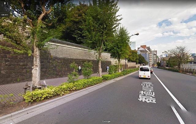 湯島聖堂脇の坂道