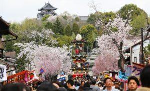 """日本首次调查因外国游客增加带来的交通拥堵等""""旅游公害"""""""