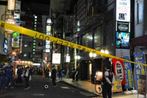 东京歌舞伎町繁华街道发生自杀案件 一名女子跳楼砸伤路人