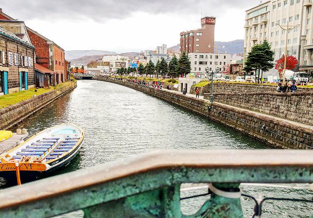 遊覧船もある小樽運河