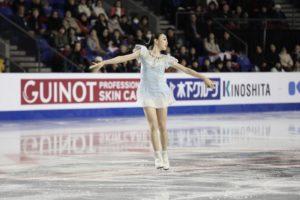 花式滑冰大奖赛日本16岁新秀纪平梨花封后