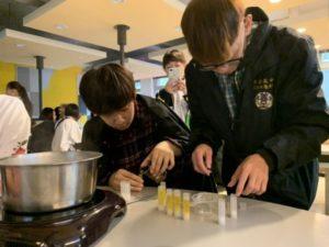 日本上越高校师生到校交流至善高中创作护唇膏伴手纪念品