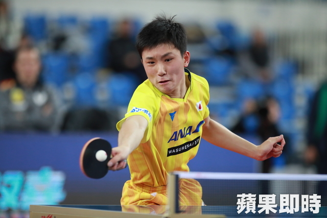 华裔日本15岁桌球天才张本智和年度汉字「感」