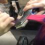 现实中的变色龙!日本一女子的头发居然可以随温度而变化颜色