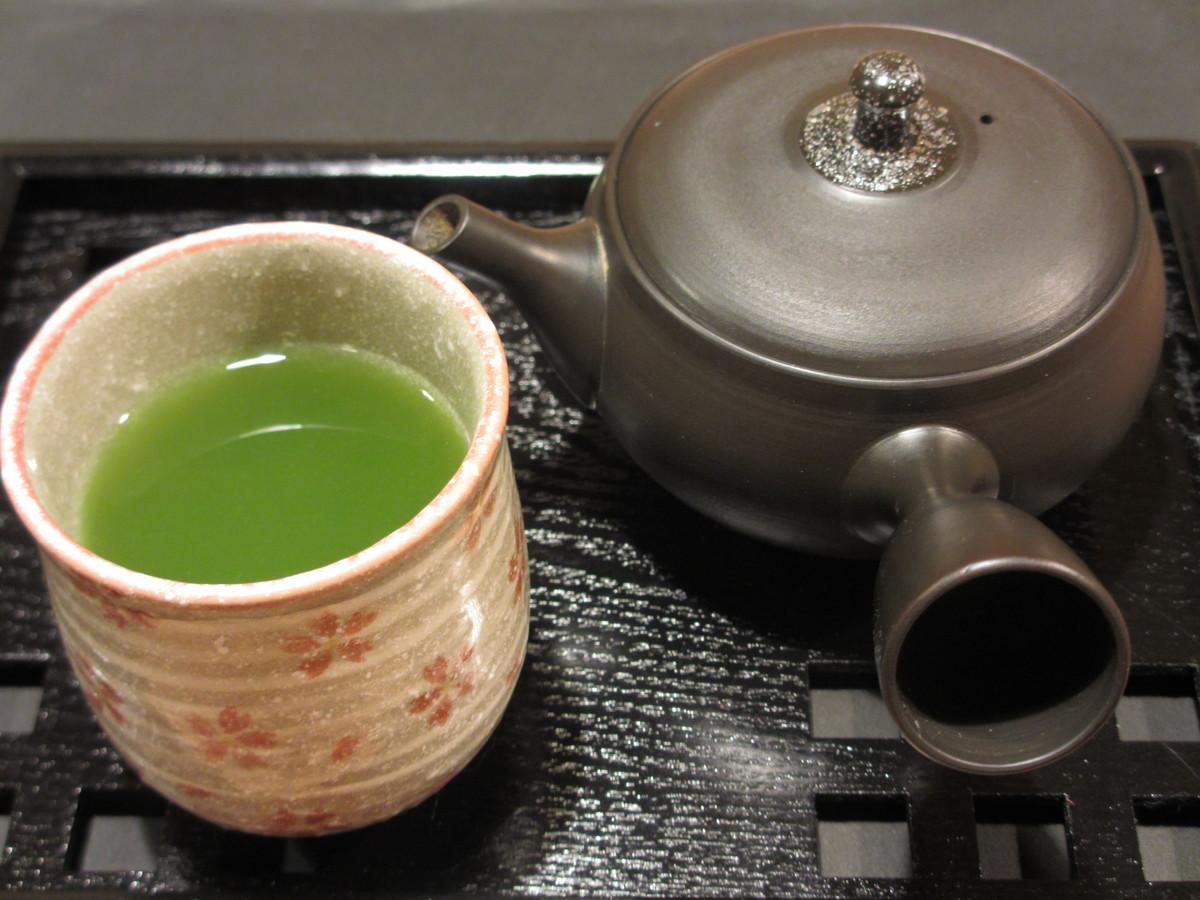 そば緑茶 | 月光 お餅と日本茶専門喫茶店 台東区下町根岸・鶯谷HPから引用