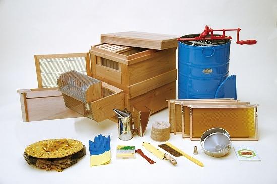 ビギナー養蜂器具セット 養蜂道具のネット通販|秋田屋本店養蜂部HPから引用