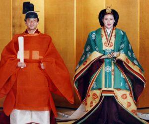 【日本新天后(下)】发型服装都被宫内厅严加控管昔日外交新星成了没自信的太子妃