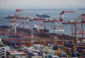 日本政府三个月来首次调降出口评估 因中美贸易战冲击贸易