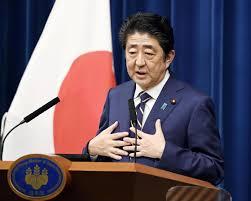 日本首相安倍称将警惕全球经济复苏面临的潜在风险