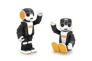 夏普新款RoBoHoN机器人会看家