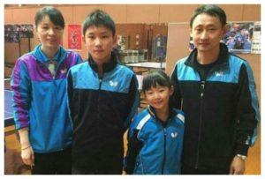 张本智和一家夺冠心切,哥哥与妹妹苦练球技,父母早已不过新年
