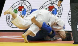 巴黎柔道大满贯赛日本队成首日赢家