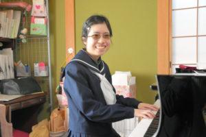 日本全盲女高中生如愿考入东京大学学习