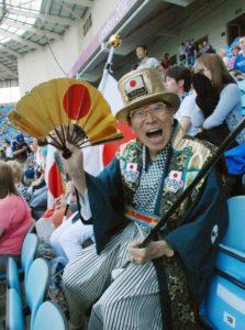 """日本奥运会超级粉丝""""奥运爷爷""""去世 享年92岁"""