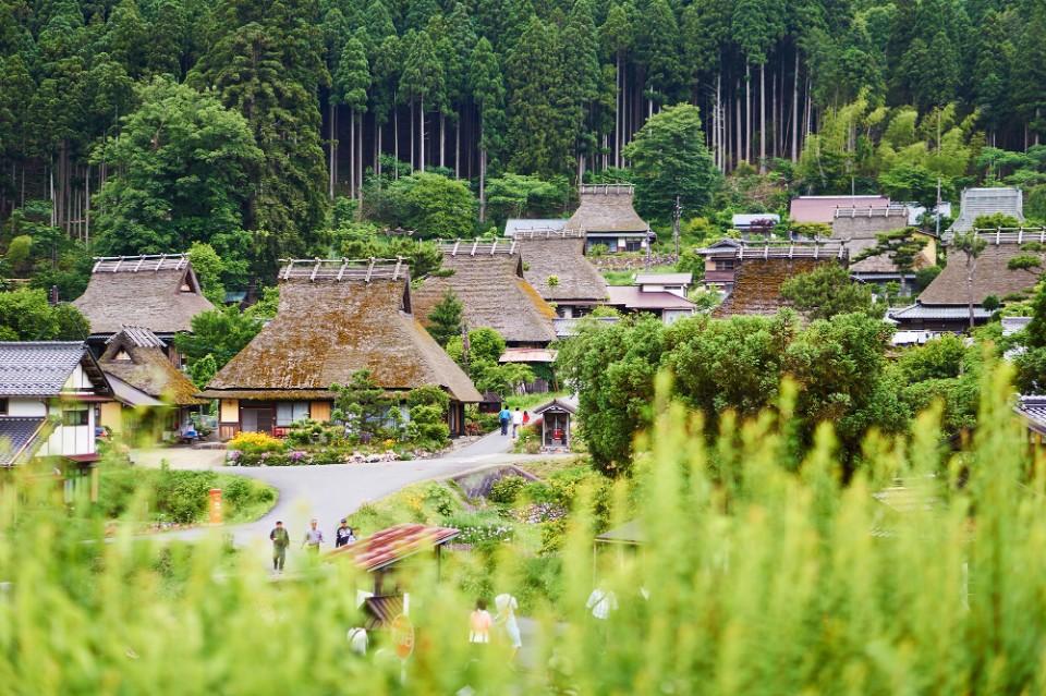 遗世独立的日本秘境京都美山町茅茸屋聚落