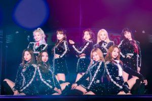 跨国女子组合TWICE巨蛋巡演在大阪拉开序幕