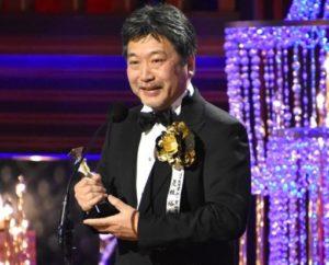 日本奥斯卡颁奖「小偷家族」横扫全场