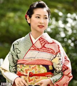 """京都""""葵祭""""选出令和时代第一位女主角"""