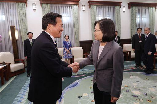 中国在东海频繁活动蔡英文盼台日共同维持印太和平稳定