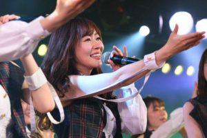 史无前例!HKT48指原莉乃参加AKB48剧场的0点公演 点燃观众热情