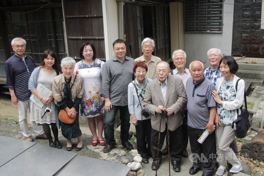 相隔数十年湾生日本人再访儿时台南老家