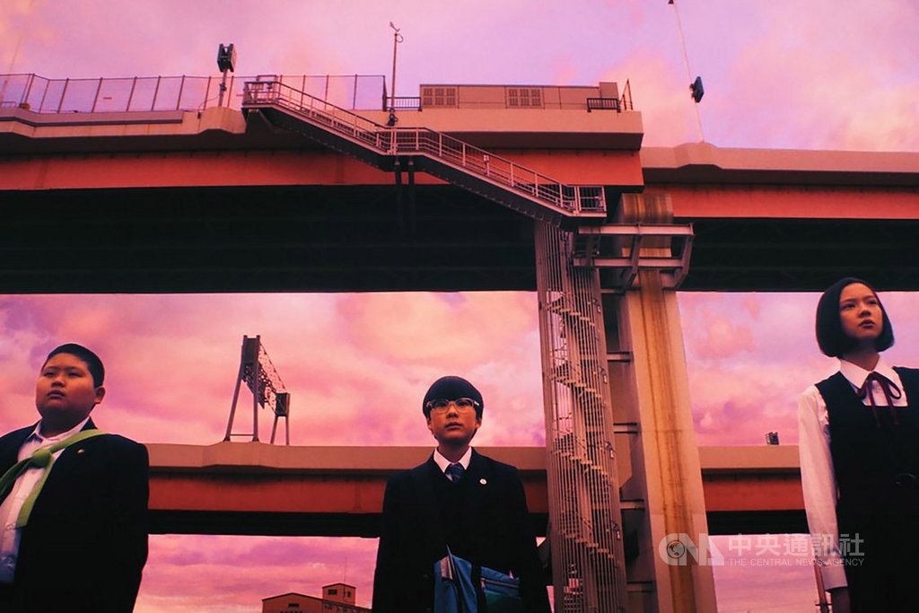 日本导演长久允新片从小孩视角看社会难题