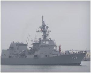 日护卫舰进入青岛港时隔约7年半再度访中